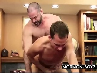 Muscular Daddy Ripping Young Twink's Ass - MORMON-BOYZ.COM