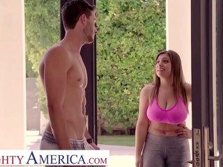 Jenna (Ella Knox) fucks her best friend's boyfriend